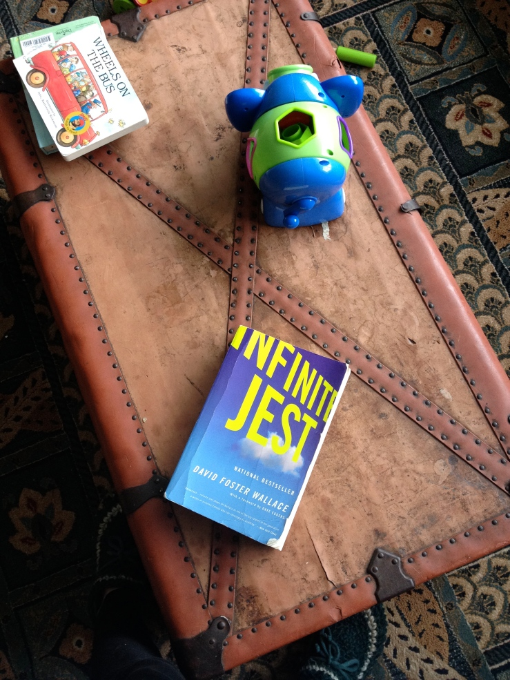 Infinite Jest - David Foster Wallace (Back Bay Books, 2006)